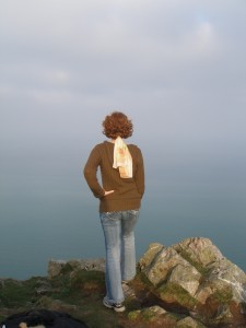 "In Ireland, mimicking Caspar David Friedrich's painting ""Wanderer above the Sea of Fog"""