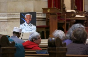 Photo of Nelson Mandela at the Minnesota Memorial. Photo by Naomi Krueger.