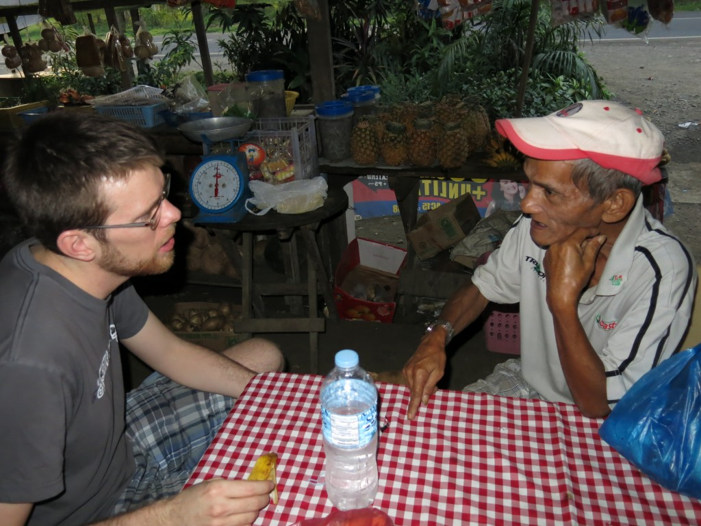 Tim and Levy exchanging language learning through English, Tagalog, and Cebuano. Photo by Naomi Krueger.